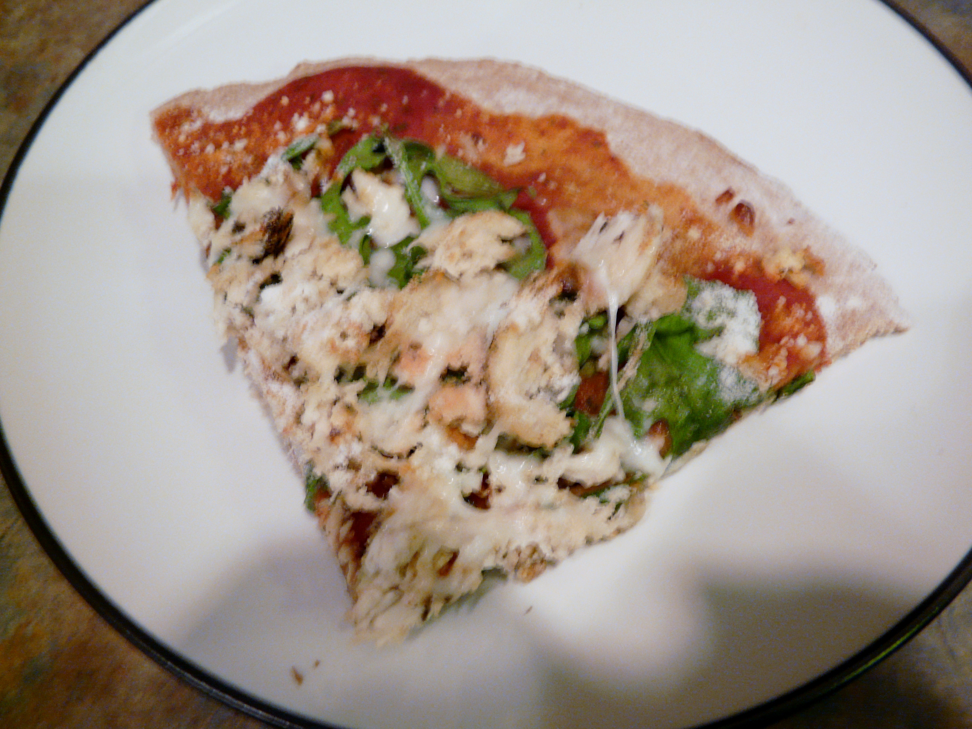 Slimmed Down Sensations: Whole Wheat Pizza with Chicken and Arugula ...